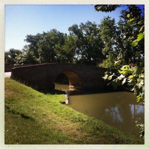 pont d'en Serny Montesquieu pierre de halage canal du midi
