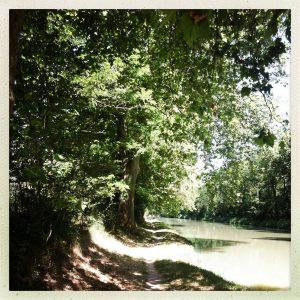 canal du midi à pied chemin halage