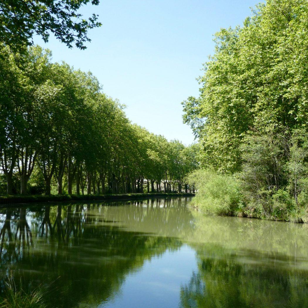 le canal du midi près de toulouse