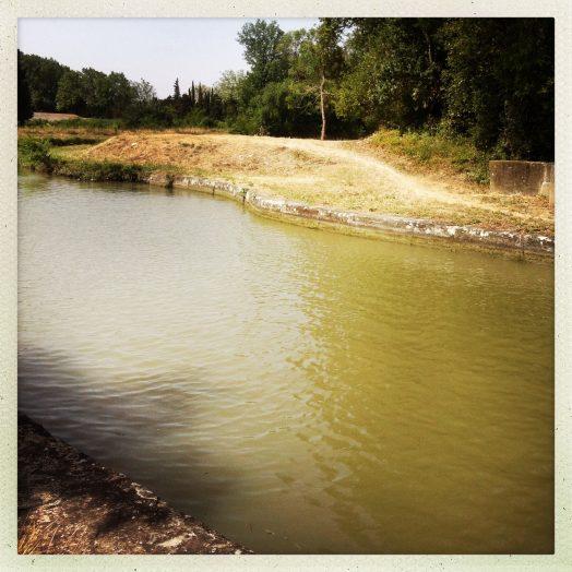 écluse de l'aiguille canal du midi aqueduc