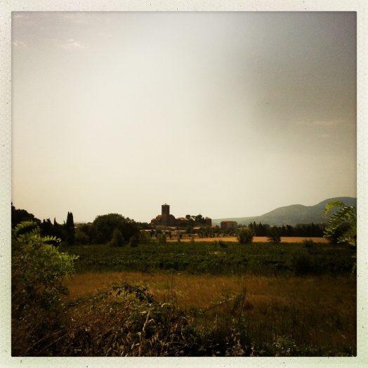 vue du village de puicheric canal du midi