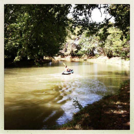 canoe sur le canal du midi