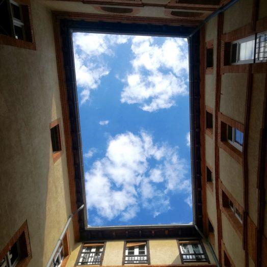 cour intérieure dans le centre de montauban