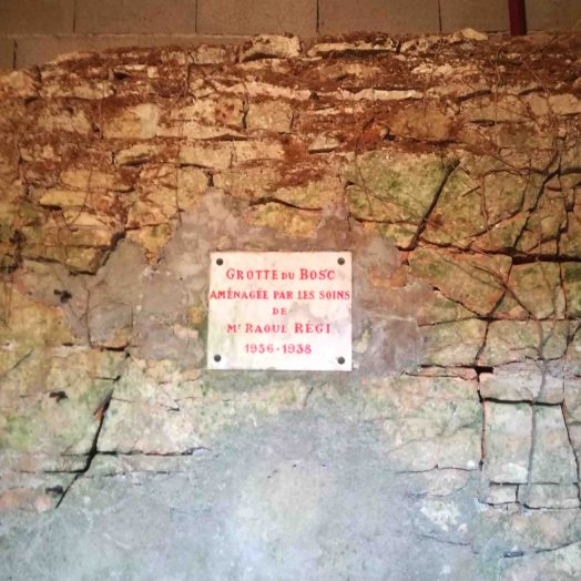 plaque commémorative grotte du bosc tarn et garonne